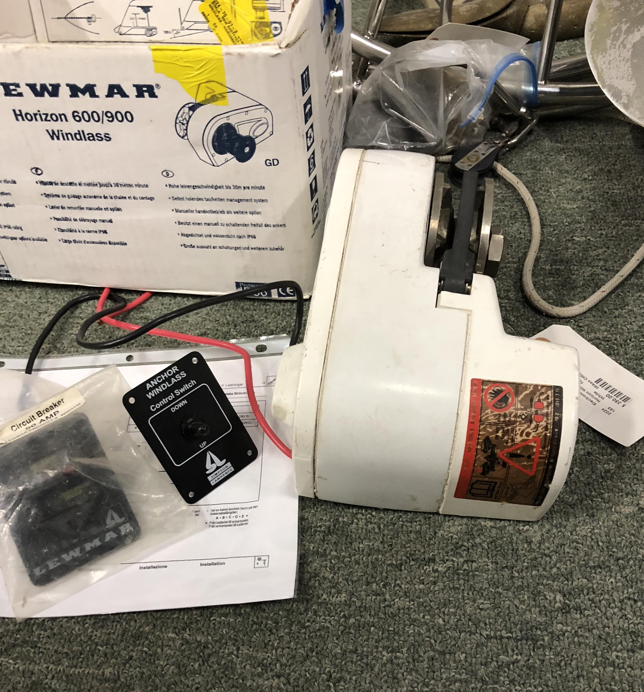 Lewmar Horizon 600 900 Windlass With Control Switch And