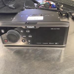 Fusion Marine Stereo MS-AV750